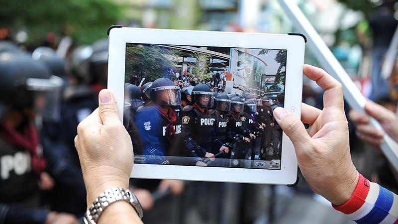 police tablet riot