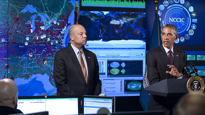 WASHINGTON - Secretary of Homeland Security Jeh Johnson hosts President Obama at the National Cybersecurity and Communications Integration Center, Jan. 13, 2015. (Photo: DHS)